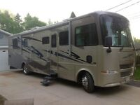 2005 Allegro Bay Motorhome with matching trailer for sale