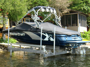 BOAT LIFT, Vertical boat lifts, BY DOCKMASTER
