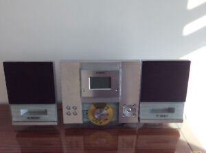 Curtis Radio/CD player stereo ---- must go ASAP