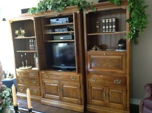 Solid Wood Canadian Made wall Unit a real 10 Plus+++++