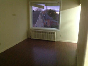 2 bedroom apt available for rent in beachburg