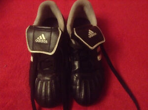 SOCCER CLEATS - KIDS - ADIDAS