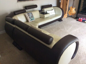 Genuine Leather Sectional Sofa. Modern design, Uber Stylish Loft
