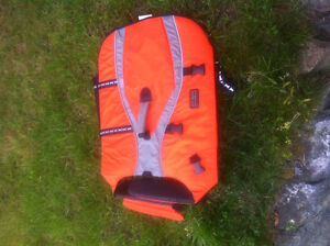 Outward Hound XL Life Jacket