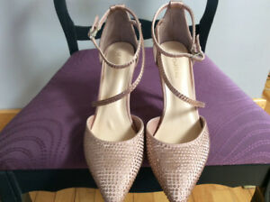 Brand new rose gold crystal encrusted shoes. Size 8m