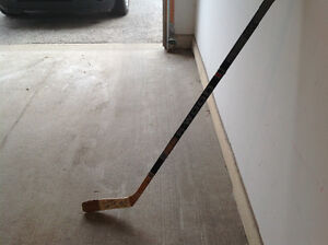 Hockey Hall of Fame, Game Used Stick.. London Ontario image 1