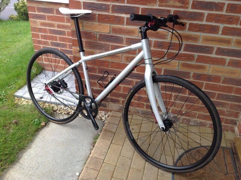 Giant Seek 0 Hybrid Gents Bike 8 Speed Alfine Hub In Kingswood