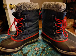 "Boys Size 2 Sorel ""Yoot Pac"" Waterproof Winter Boots, EUC London Ontario image 4"