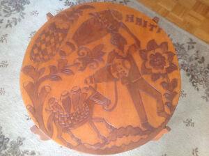 Table d'appoint démontable sculptée en Haïti