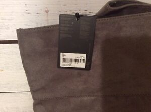 Forever 21 Grey Boots Size 7.5 NEW London Ontario image 2
