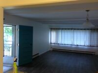 1 bedroom available immediatley in Boutique Apartment Building