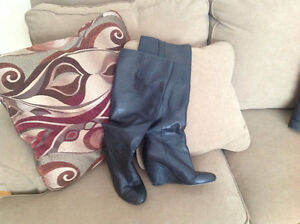 Black wedged heel Nine West leather boots size 7