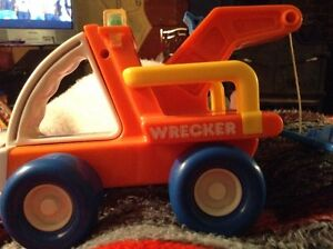 BUDDY L TOW TRUCK WRECKER . Toy Pull Car rare discontinued