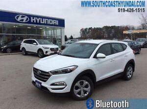 2016 Hyundai Tucson 2.0L FWD  Back up Camera - Winter wheels