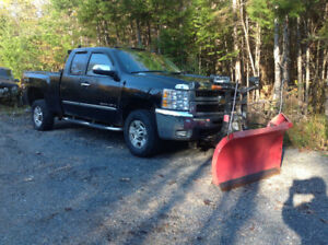 2008 Chevrolet Silverado 2500HD with plow