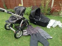 Maxi Cosi buggy pram with carrycot and lots of accesoires