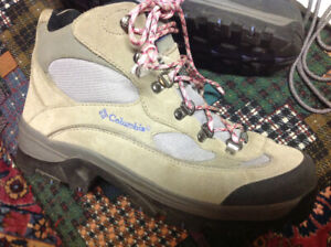 Columbia Hikers 40 or 140 TAKES EVERYTHING IM SELLING