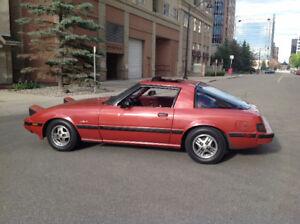 1981 Mazda RX-7 Black Coupe (2 door)