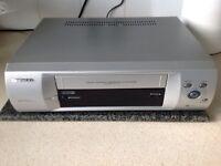 Daewoo vhs video player / recorder