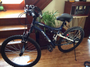 CCM VANDAL 24 DUAL XC LADIES BICYCLE MAKE AN OFFER!!!