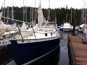 34' bluewater sailboat with new 38 Hp engine