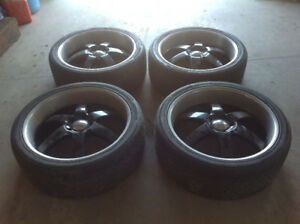 Set of tires and rims