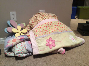 Girls twin bedding set with sheets and wall decor