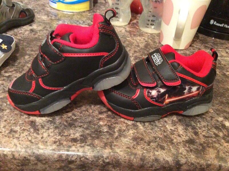 Boys Star Wars flashing shoes