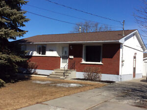 HOME FOR SALE 1202 5TH ST. E. FORT FRANCES, ONTARIO