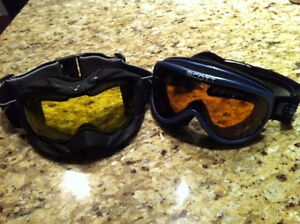 SNOWBOARDING GEAR - GOGGLES AND PANTS