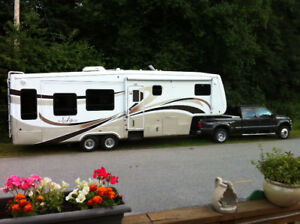 2007 32TK3 Mobile Suites 5th wheel
