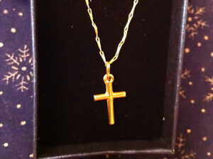 Gold chain 17 inch and cross