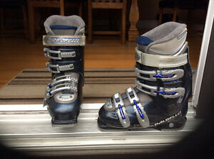 DALBELLO ski boots size 6.5us or 24.5 euro West Island Greater Montréal image 1