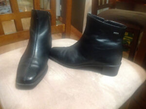 Ecco Ankle Winter Boots