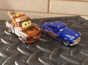 Lot de 2 diecast 1/55 Disney Pixar Tow Mater Hudson Hornet