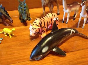 Lot of animals and Dinosaur rubber plastic toys Windsor Region Ontario image 4