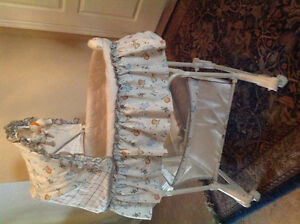 Simplicity of children Bassinet