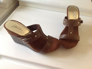 Brand new wedge shoes-brown