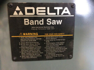 """14"""" Delta band saw with 4 extra blades in excellent condition"""