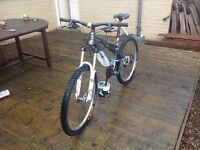 """Pinnacle Cascade 2.0 Full Suspension Mountain Bike """" Now Only £500"""""""