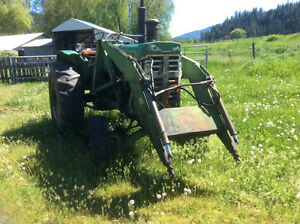 1958 Oliver 770 tractor for parts in Falkland/Silver Creek