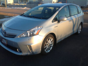 2012 TOYOTA PRIUS V with TECHNOLOGY PACKAGE