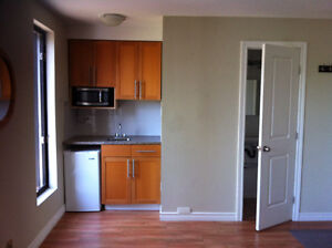 STUDIO-ROXBORO ALL INCLUDED& FURNISHED (corner of train station