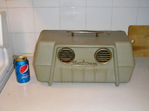 1106 - Air conditioner portable vintage