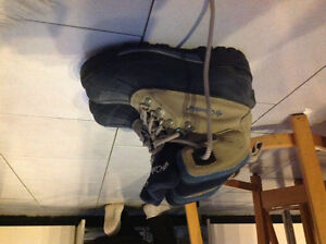 Women's Columbia boots - size 5