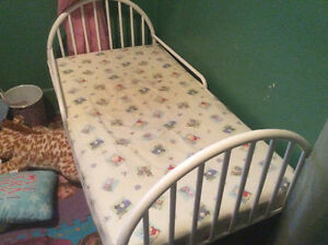Toddler bed Cornwall Ontario image 2