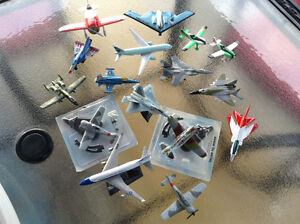 Lot de petites avions diecast de collection