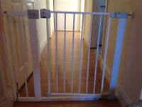 Lindam easy fit deluxe safety gate
