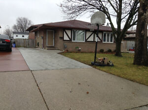 Forest Glade area Semi-Detached (4 level) Back split House sale: