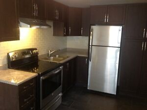 Beautiful 1 Bed Room available 5 Minutes from Downtown